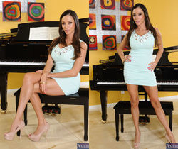 Ariella Ferrera - Seduced By A Cougar