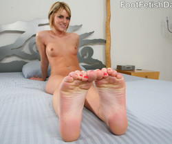 Riley Rey Sexy Pink Toes - Foot Fetish Daily