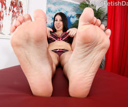 Esperanza Diaz Wraps Her Big Feet Around a Fat Cock