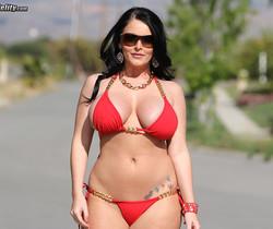Big Titty Bounce - Sophie Dee
