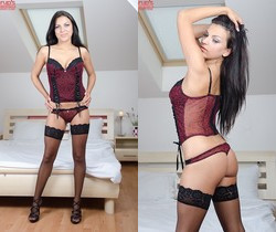 Anellita - modelling her stockings