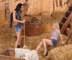 Indina & Suzie Carina
