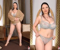 Joanna Bliss - DDF Busty