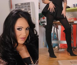 Regina moon - Hot Legs and Feet