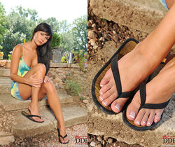 Stacy Da Silva - Hot Legs and Feet