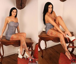 Isla - Hot Legs and Feet
