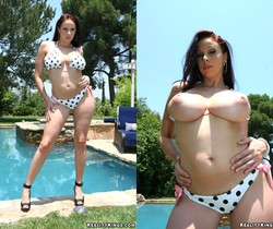 Charlie - Poolside Pussy - Big Naturals