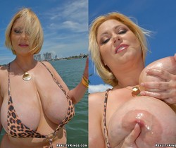 Samantha - Boobie Monster - Big Naturals