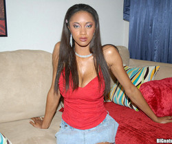 Tyra - Full Of Tit - Big Naturals