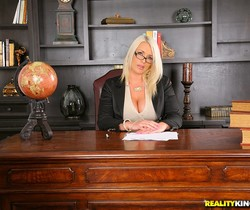 Sadie Swede - On Top Of Things - Big Tits Boss
