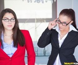 Mischa Brooks & Valentina Nappi - Group Grabbing