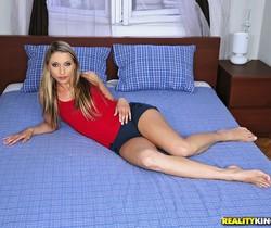 Joanne Sweet, Aliz - No Limitations - Euro Sex Parties
