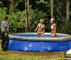 Mayara Shelson - Cock Wrestling - Mike In Brazil