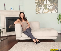 Sophie Lynx - Welcome Sophie - Mike's Apartment