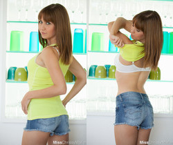 Chrissy Marie strips out of her cute yellow tanktop