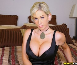Kasey Grant - Back To Cali - MILF Hunter