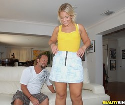 Kristy Kelly - Yellow Mellow - MILF Hunter