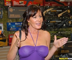 Bella Roxx - Pump Her Full - MILF Hunter