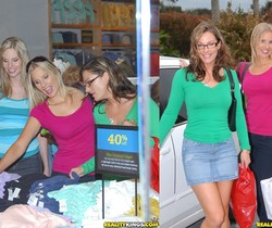 Aimee Addison, Brianna Ray, Kristen Cameron - MILF Next Door