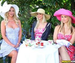 Natalie Nice, Sammie Rhodes, Sarah Vandella - Tea Time