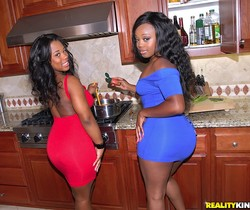 Jayden Starr, Yasmine Loven - Round And Brown