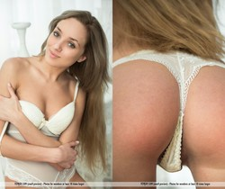 Touch It - Taya T. - Femjoy