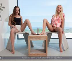 Teasing Girls - Tina & Victoria P.