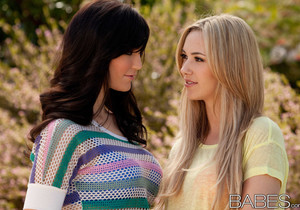 A Girls Afternoon - Sophia Knight, Holly Michaels