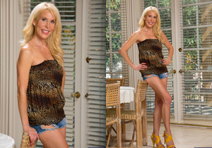 Erica Lauren - Seduced By A Cougar