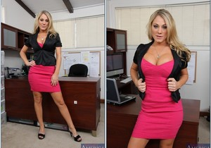 Amber Ashlee - Naughty Office