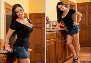 Vanilla Deville - My Friend's Hot Mom