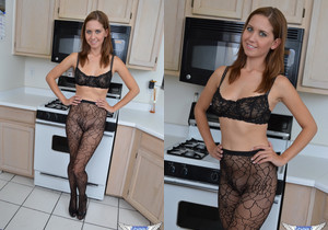 Chrissy Marie - Cooking For You - SpunkyAngels