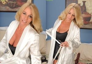 Crystal Taylor - Karup's Older Women