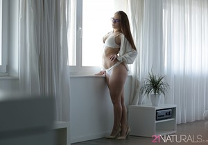 Jenny Glam - Two Sides - 21Naturals