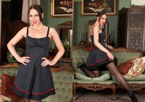 Tracey Lain - mature in stockings