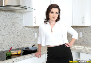 Helena Price - Doing It - MILF Hunter