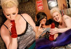 Roxy Deville, Jade Jolie - Park it Yourself Metallica Breath