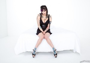 BellaVendetta, Keni Styles - Goth Girl Bangs Asian Boy