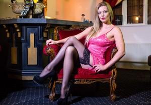 Holly Kiss, Freddy Flavas - The Tudor Lounge
