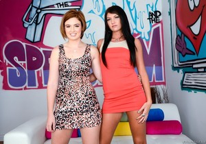 Cassandra Nix, Jodi Taylor - The Spit and The Speculum #02