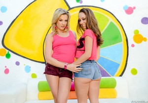 Dahlia Sky, Remy Lacroix - Too Much Anal