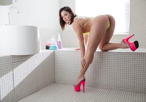 Gabriella Paltrova, Lea Lexis - Fetish Fanatic #13