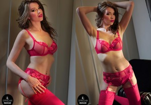 Nicky's Red lingerie romance - Spinchix