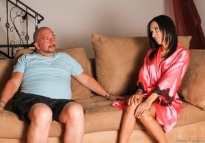 Tia Cyrus, James Bartholet - Sleezy Step-Dad