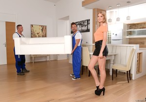 Bree Haze - Moving In Tips - 21Sextury