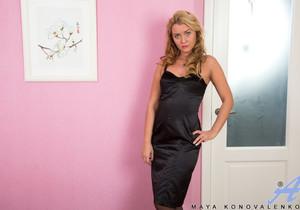 Maya Konovalenko - Toy Lover