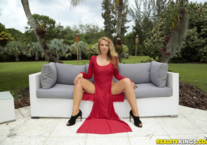 Shauna Skye - Lady In Red - Monster Curves