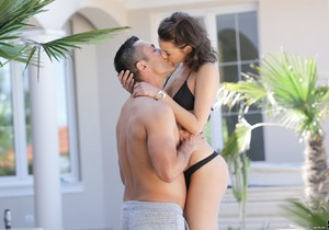 Suzy Rainbow - Housesitting By The Pool - 21Naturals