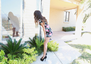 Lindsey Woods - Let Me In - Nubile Films