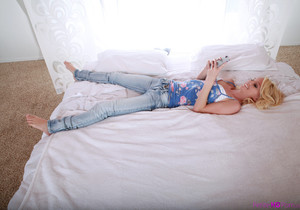 Sammie Daniels - Petite And Waiting - Petite HD Porn